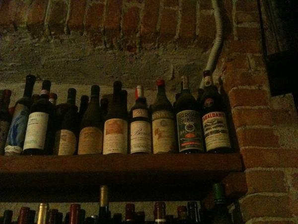 Bottles_on_Shelf_at_Giuseppe_Rinaldi.JPG